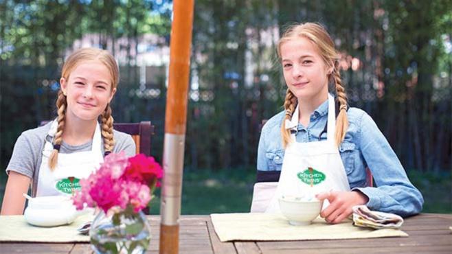 lyla and emily kitchen twins